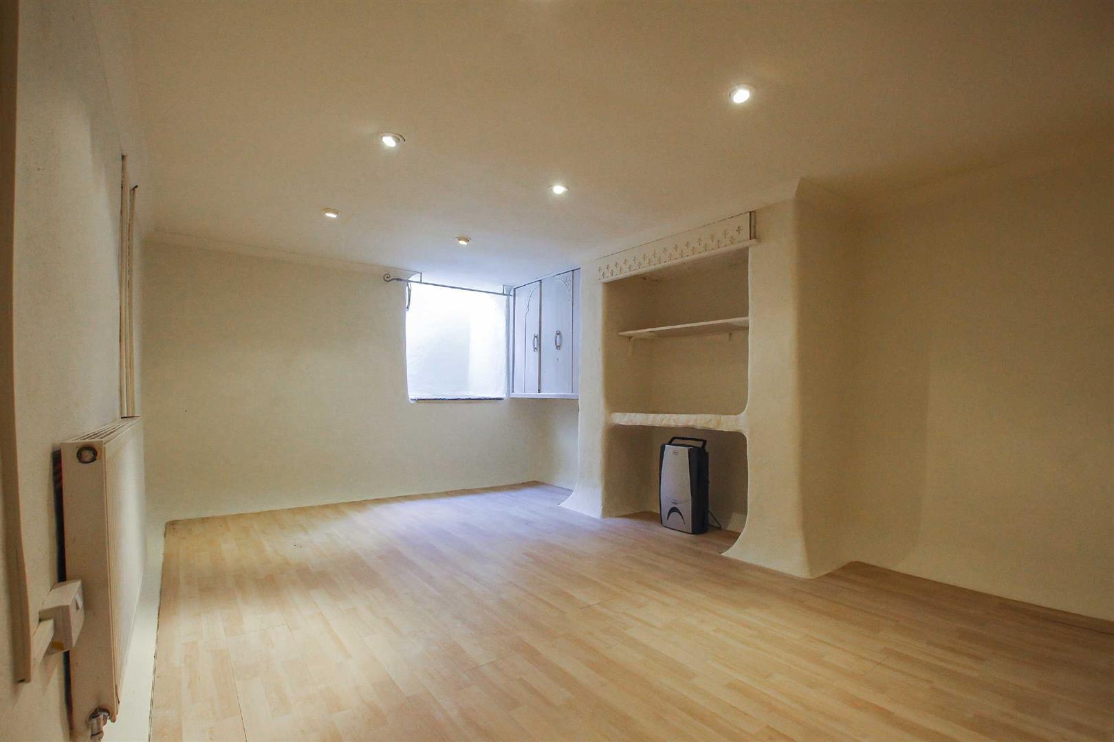 2 Bedroom Detached House For Sale - Image 10